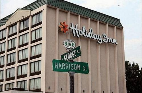 Holiday Inn Cumberland-Downtown