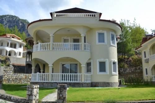 Lakestone Villa