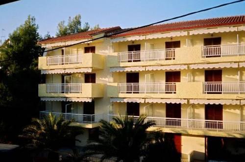 Parthenon Family Hotel