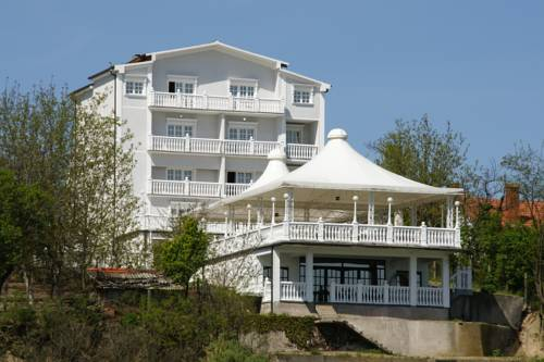 Guest Accommodation Kondorovi Dvori