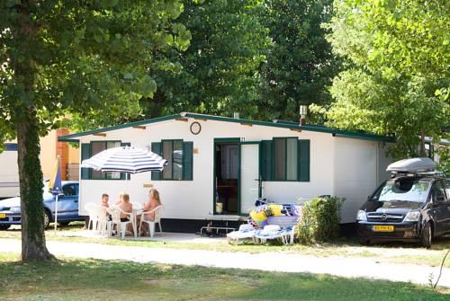 Aqua Camp Mobilházak - Thermál Kemping Tiszakécske
