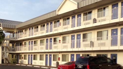 Motel 6 Brownsville North