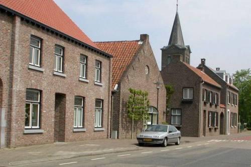 Apartment Maasheuvel Roosteren