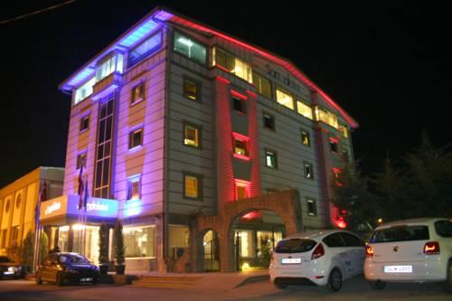 Sandal Hotel