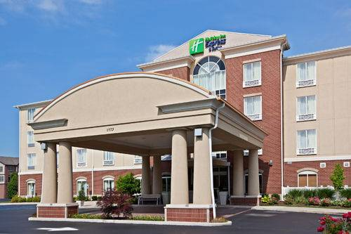 Holiday Inn Express and Suites Schererville