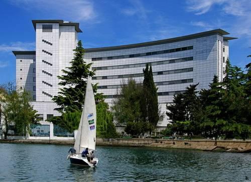 Karavella Hotel