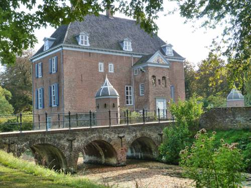 Bed & Breakfast Kasteel Ophemert
